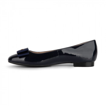 FLAT BOW PATENT LEATHER BALLERINA