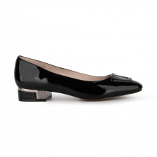 """""""HELINE""""PATENT WITH METAL HARDWARE DETAIL AND HEEL METAL TRIM FLATS"""